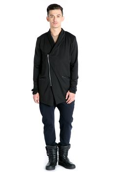 #cardiganmen #black #autumn  http://www.bluzat.ro/produs/cardigan-buzunare-aplicate/