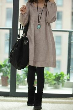 Tunic dress over thick tights and short suede boots. - Tunic dress over thick tights and short suede boots. Source by - Look Fashion, Winter Fashion, Womens Fashion, Cotton Dresses, Cute Dresses, Tunic Dresses, Trendy Dresses, Thick Tights, Tunic Pattern