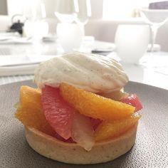 A tester : pate sablée, pamplemousse ou  orange curd, supremes, chantilly vanille