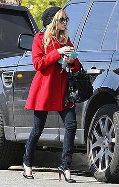 Me encanta el estilo de Nicole Richie! Toda una mamá moderna :3