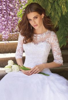 LACE APPLIQUE DRESS