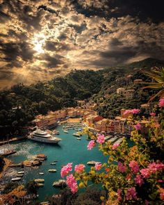 Perhaps the best honeymoon spot PLACE Portofino Italy Tag who you d go her hon. Romantic Destinations, Travel Destinations, Best Honeymoon Spots, Monte Everest, Portofino Italy, Destination Voyage, Road Trip, Travel Abroad, Travel Around The World