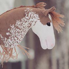 Pitäs tehä äikän kirjotelmaa, mut harjottelen vaa ranskanlettejä omaan päähäni. Yks jo onnistu yay #veclockwork Stick Horses, Diy Back To School, Horse Bridle, Horse Crafts, Hobby Horse, Horse Stalls, Horse Photos, Horse Racing, Puzzle Pieces