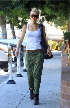 Gwen Stefani, usando Pantalones tipo Harem