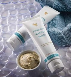 Forever Marine Mask provides deep cleansing, while balancing the skin's texture with natural sea minerals plus the super moisturizing and conditioning properties of aloe vera, honey, and cucumber extract. Aloe Vera Skin Care, Aloe Vera For Face, Aloe Vera Face Mask, Forever Aloe, Forever Living Aloe Vera, Forever Living Business, Forever Living Products, Face Skin Care, Aloe Vera