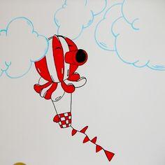 Cartoon hot-air balloon wall drawing