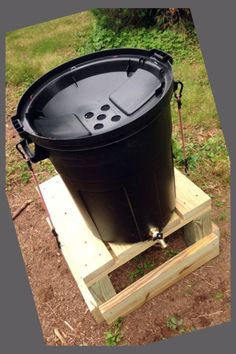 DIY Rain Barrel | A Green Way to Conserve Water for your Garden | Diy Putting Green Cheap | B... | Outdoor Putting Green Kits | Backyard Golf Ideas | Diy Putting Green Indoor | Backyard Putting Green. Having your own putting green in your yard makes it easy to practice putting in your extra time #golfers #golfcourse #golfputting #Backyard Putting Green Outdoor Putting Green, Golf Simulators, Water Collection, Golf Tips For Beginners, Rain Barrel, Vegetable Garden Design, Gardening Supplies, Water Conservation, Compost