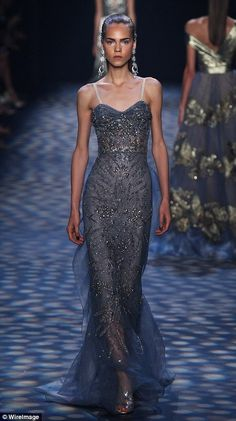 Colors like this midnight blue played homage to the sky. Source by dress beautiful Gala Dresses, Couture Dresses, Fashion Dresses, Beautiful Gowns, Beautiful Outfits, Elegant Dresses, Pretty Dresses, Couture Fashion, Fashion Show