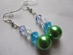 beautiful earrings. Starting at $1 on Tophatter.com!