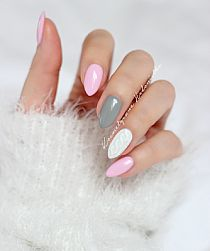 Pink grey and white white shellac nails, pink grey nails, claire's nails, grey White Shellac Nails, Pink Grey Nails, Claire's Nails, Grey Acrylic Nails, Gel Nails French, Pink Manicure, Cute Nails, Pretty Nails, Hair And Nails