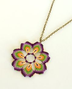 Hippie del collar largo de flores de la mandala de por KnottedWorld