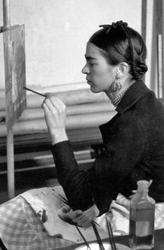 Tokens of Depreciation Frida Kahlo Diego Rivera, Frida And Diego, Fridah Kahlo, Kahlo Paintings, Frida Art, Mexican Artists, Bear Art, Artist At Work, Les Oeuvres