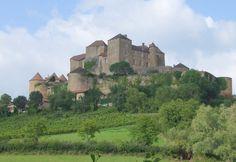 Château de Berzé est situé sur la commune de Berzé-le-Châtel — Wikipédia
