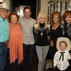 It was a fun night for the McEntires at the Grand Ole Opry. We have been huge fans of Dolly Parton for years. Thanks again Dolly for coming out to help us celebrate 40 years with the Grand Ole Opry. #opry #dollyparton #susiemcentire #pakemcentire #pecospete #mamajac