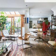 Quitinete com personalidade e espaços pequenos | Histórias de Casa