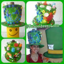 Resultado de imagen de sombreros locos con material reciclable c07899ba1c3