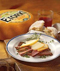 75-1_duckbreast.jpg 200×236 pixels Duck Breast and pressed cheese sliced and served with crusty French Breads of various types or toast points