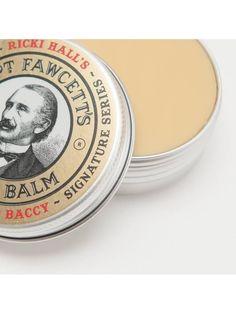"""El bálsamo para barba """"Captain Fawcett's Ricki Hall Booze & Baccy"""" fusióna 5 cremas base y ceras exóticas, junto con 10 aceites esenciales, hace que esta pomada hecha a mano sea una adicción."""
