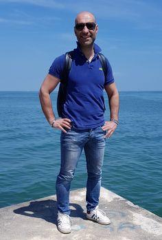 Basta un attimo per ritrovare energia, e il mare ha questo grande potere...  (Luca B.) www.luca-b.it #lucab