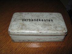 Alte Kasten Blechdose Verbandskasten