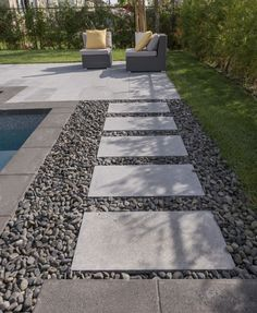 Discover 4 DIY ideas to add a pathway in your garden – Rinox Blog