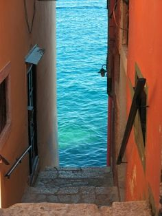 Steps to the Sea - Rovinj, Croatia | Incredible Pictures