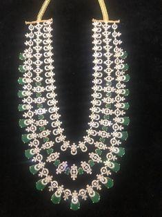 Bangle Bracelets, Jewelry Necklaces, Bangles, Diamond Jewellery, Indian Jewelry, Antique Jewelry, Emerald, Layers, Chokers