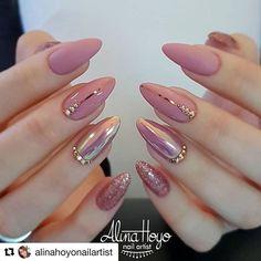 Soft Pink Nails, Mauve Nails, Pink Soft, Pink Nail Designs, Acrylic Nail Designs, Acrylic Nails, Ongles Roses Clairs, Sparkle Nails, Glitter Nails