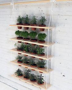 Réaliser une étagère à plantes en palette