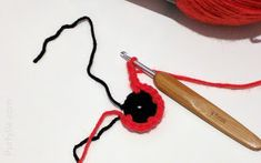 When crocheting remembrance poppies to be used as part of a tribute in honour of soldiers that served in the Armed Forces with a large poppy display there are a two of things that are desirable for a crochet pattern Crochet Poppy Free Pattern, Knitted Poppies, Easy Crochet Slippers, Fast Crochet, Remembrance Poppy, Crochet For Beginners, Knit Patterns, Crochet Projects, Knitting