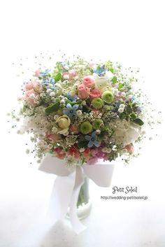 Soft and Lovely. Bride Bouquets, Floral Bouquets, Beautiful Flower Arrangements, Floral Arrangements, Bridal Flowers, Beautiful Flowers, Bouquet Champetre, Arte Floral, Dried Flowers