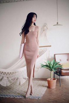 Ideas womens fashion over 30 for 2019 Fashion Over, Asian Fashion, Trendy Fashion, Girl Fashion, Fashion Looks, Womens Fashion, Fashion Design, Feminine Fashion, Fashion Ideas