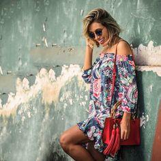 LOOKSLY - Camila Milagres com vestido floral ombro a ombro do Verão 2017