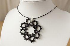 Occhi Style Anhänger - Black Lace von BuntWerkstatt auf DaWanda.com
