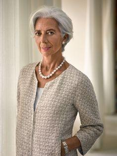 Christine Lagarde : et si c'était elle ? Mature Fashion, Older Women Fashion, 50 Fashion, Fashion Over, Cheap Fashion, Fashion Brands, Lagarde Christine, Christine Lagard, Beautiful Old Woman