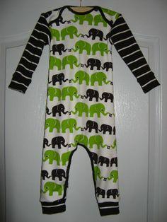 Jumpsuit in maat 80 van olifantjes bio interlock van Nosh, de mouwen en boordjes zijn van Nosh bio boordstof in de kleur grafiet