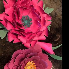 Gorgeous pink and black paper flowers set. 5 big flowers inch, one of them 13 inch 7 medium- inch 5 small- inch Paper Flower Centerpieces, Paper Flowers Wedding, Paper Flower Backdrop, Flower Svg, Star Flower, Giant Paper Flowers, Small Flowers, Paper Flower Templates Pdf, Plumeria Flowers