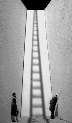 Gilbert Garcin - L'ombre du doute (The shadow of doubt). Stairways, ideas, stair, home, house, decoration, decor, indoor, outdoor, staircase, stears, staiwell, railing, floors, apartment, loft, studio, interior, entryway, entry.