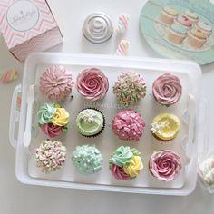 Edible flower cupcake bouquet