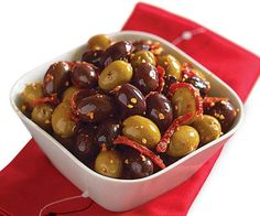 Low Carb Recipes To The Prism Weight Reduction Program Spicy Spanish Olives - Recipe - Finecooking Quick Appetizers, Appetizers For Party, Appetizer Recipes, Spanish Appetizers, Tapas Party, Marinated Cheese, Marinated Olives, Olive Recipes, Spicy Recipes