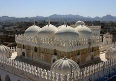 The Amiriya Madrasa is located to the southeast of the Raa'da Citadel and was commissioned by Sultan Amir ibn 'Abd al-Wahab (Amir II, reg. 1489-1517), the last ruler of the Tahirid dynasty. Raa'da, Yemen (V)