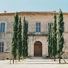Provence, Mediterranean Style Homes, Country Estate, Country Life, Shooting Photo, South Of France, Art Of Living, House Front, Interior And Exterior