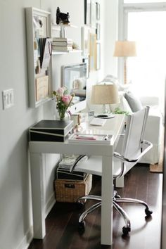 parsons desk styling