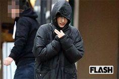 新作映画のロケでみせた「新垣結衣」キュートな寒空フード姿 | エンタメウィーク