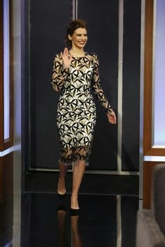 Lauren Cohan, Hollywood Fashion, Dresses With Sleeves, Long Sleeve, Totes, Full Sleeves, Gowns With Sleeves