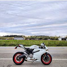 899 Panigale Photo: @singh899 #ducati #panigale #899 #1199 #twp #twowheelpassion