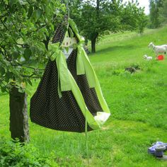 Úžasná houpadla od Ekomamky :) Laundry, Crafts, Ideas, Home Decor, Laundry Room, Manualidades, Decoration Home, Room Decor, Handmade Crafts