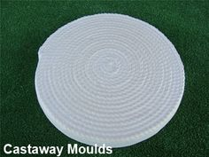 These easy to use moulds are simply filled with a wet concrete mix and are reusable. Made from a durable plastic, moulds can be used time and again. Stepping Stone Pathway, Stepping Stone Molds, Garden Pavers, Farm Gardens, Garden Ornaments, Pattern Fashion, Garden Ideas, Plastic, Deep