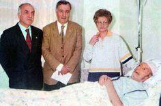 s - Mehmet Akif Ersoy Arşivi Fotoğraf Arşivi, Akif'in oğlu Tahir Bey hasta yatağında. (1999)