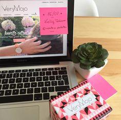 Demain @violette_a_paillettes s'invite dans nos bureaux ! Le temps d'une journée Kelly prend le contrôle de notre compte Instagram ► www.verymojo.com ◄